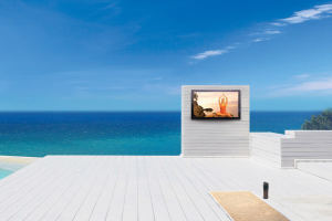 storm-outdoor-tv-sun-beach